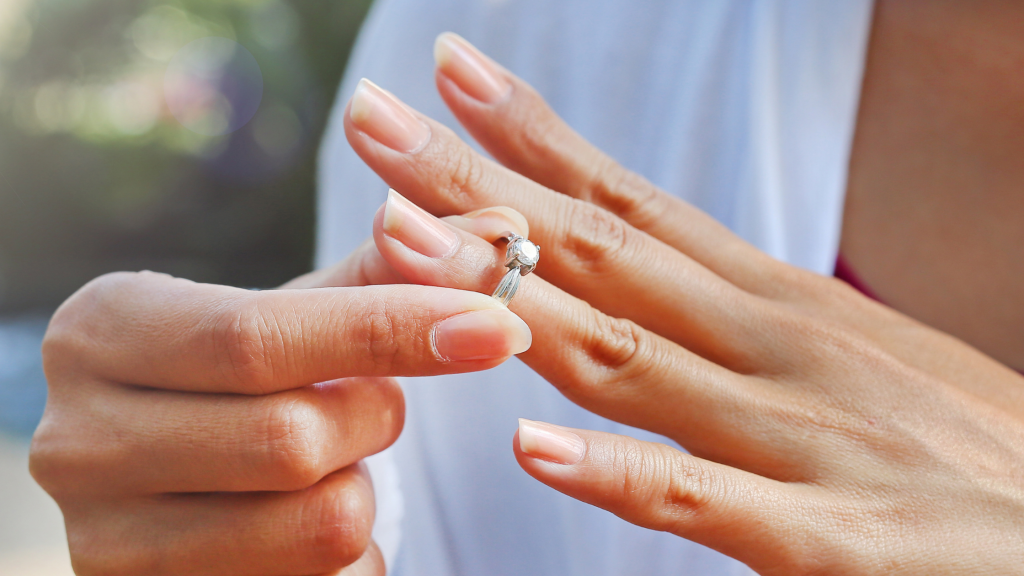 When To Take Off Your Diamond Ring